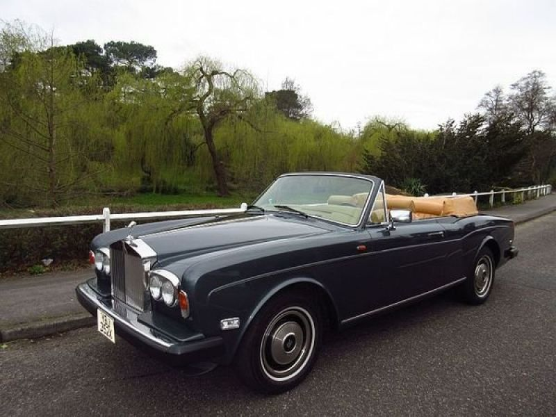 1984 rolls royce corniche convertible vendre annonces voitures anciennes de collectioncar. Black Bedroom Furniture Sets. Home Design Ideas