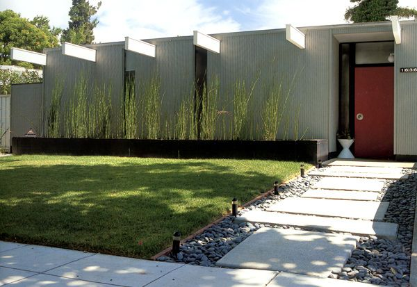 Eichler home exterior horizontal design emphasis post for Eichler paint colors