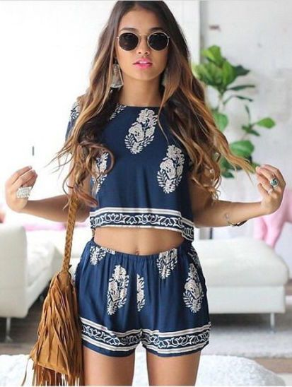Women's Sets 2019 New Summer Two Piece Shorts Set Boho Beach Style Half Sleeve Striped Sexy Halter Crop Top And White Mini Shorts Pant Suit Choice Materials