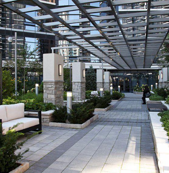 Hullmark Condominium Roof Deck - Unilock Commercial
