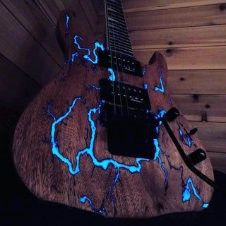 Glowing Thunderstruck Guitar: 9 Steps (with Pictures)