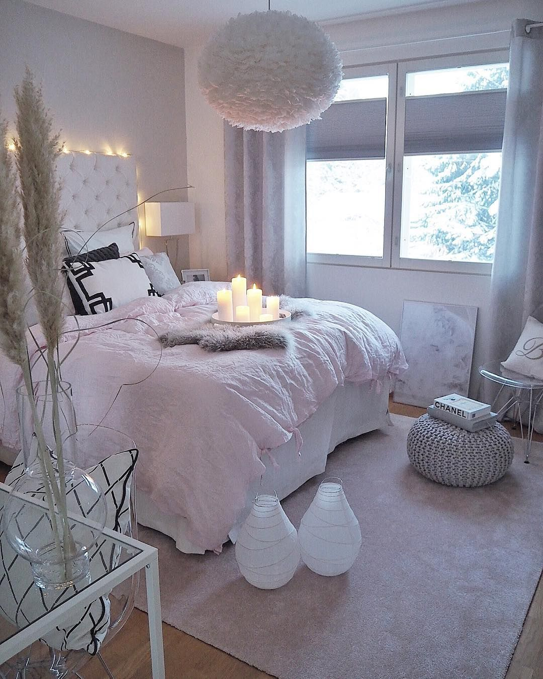 Home Decor Lifestyle Kids On Instagram Lazy Sunday It S Horrible Snowstorm Outside Stylish Bedroom Design Bedroom Design Trends Stylish Bedroom Home decor ideas bedroom