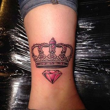 Tattoo De Diamante Con Corona