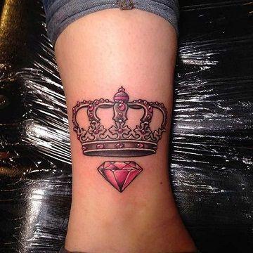 Simbolicos Diseños En Tatuajes De Diamantes Con Coronas Tatuajes