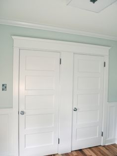 Baseboard And Crown Molding Shaker Style Google Search Baseboard Styles Craftsman Interior Doors Interior