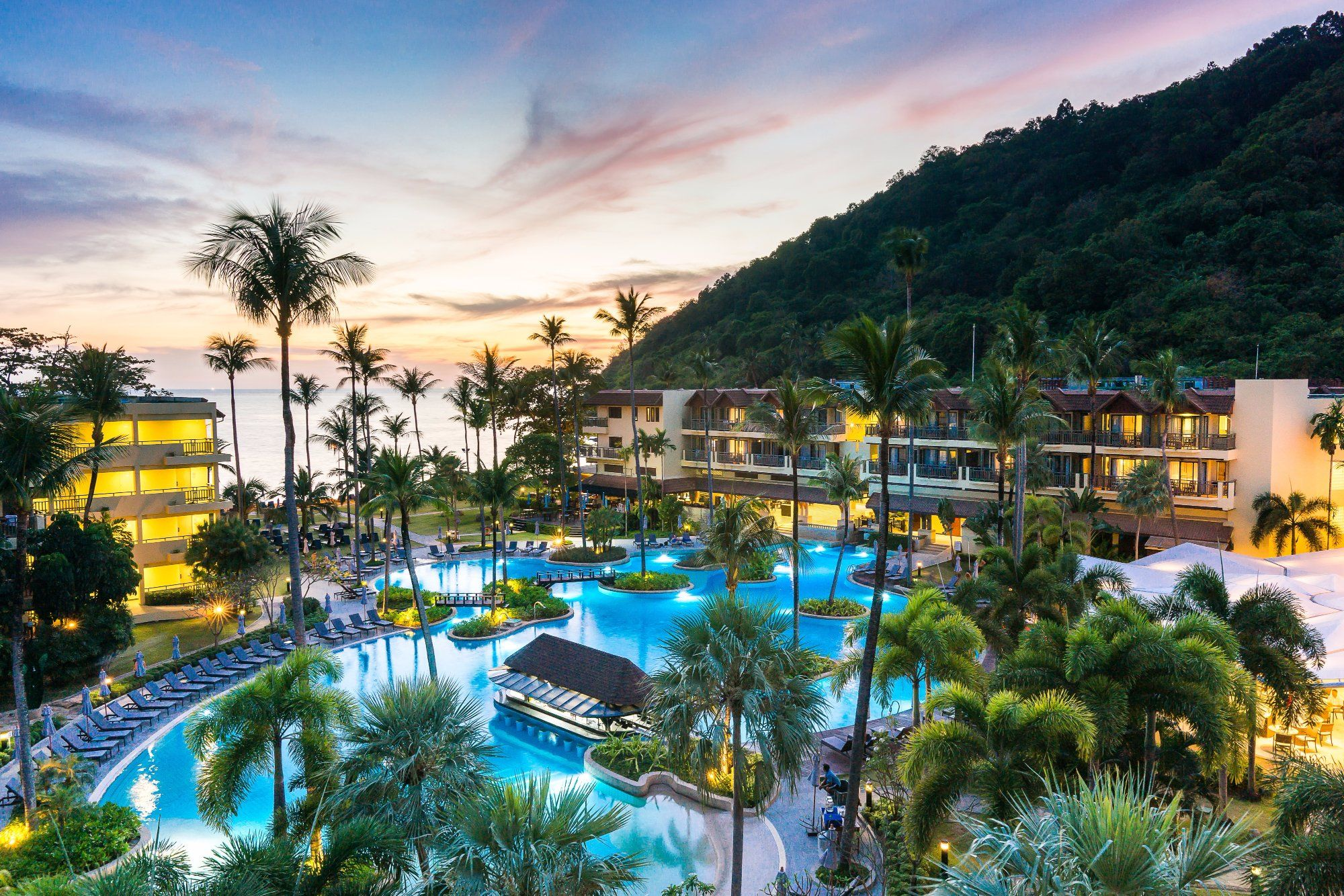 Book Phuket Marriott Resort Spa Merlin Beach Patong On