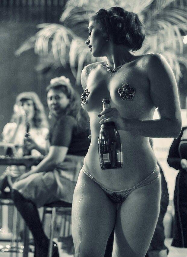 vintage-showgirls-nude