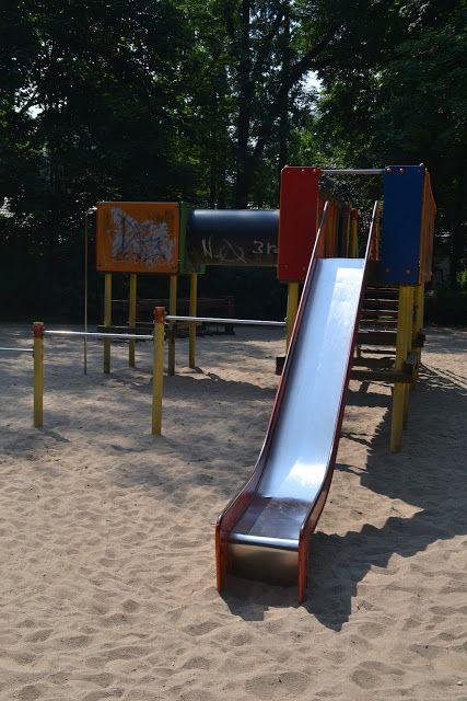 """Mittelgroßer Spielplatz am """"Bunten Garten"""" in MG-Stadtmitte."""
