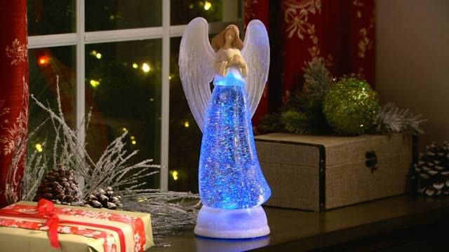 Heavenly Angel Glows With Color Changing Light Simply Amazing H203095 Http Qvc Co Vph Cij Christmas Angels Valerie Parr Hill Christmas Decorations