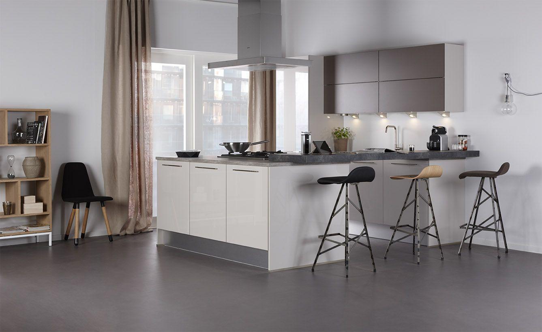 Bruynzeel pallas keuken in de kleur kashmir gecombineerd met atlas