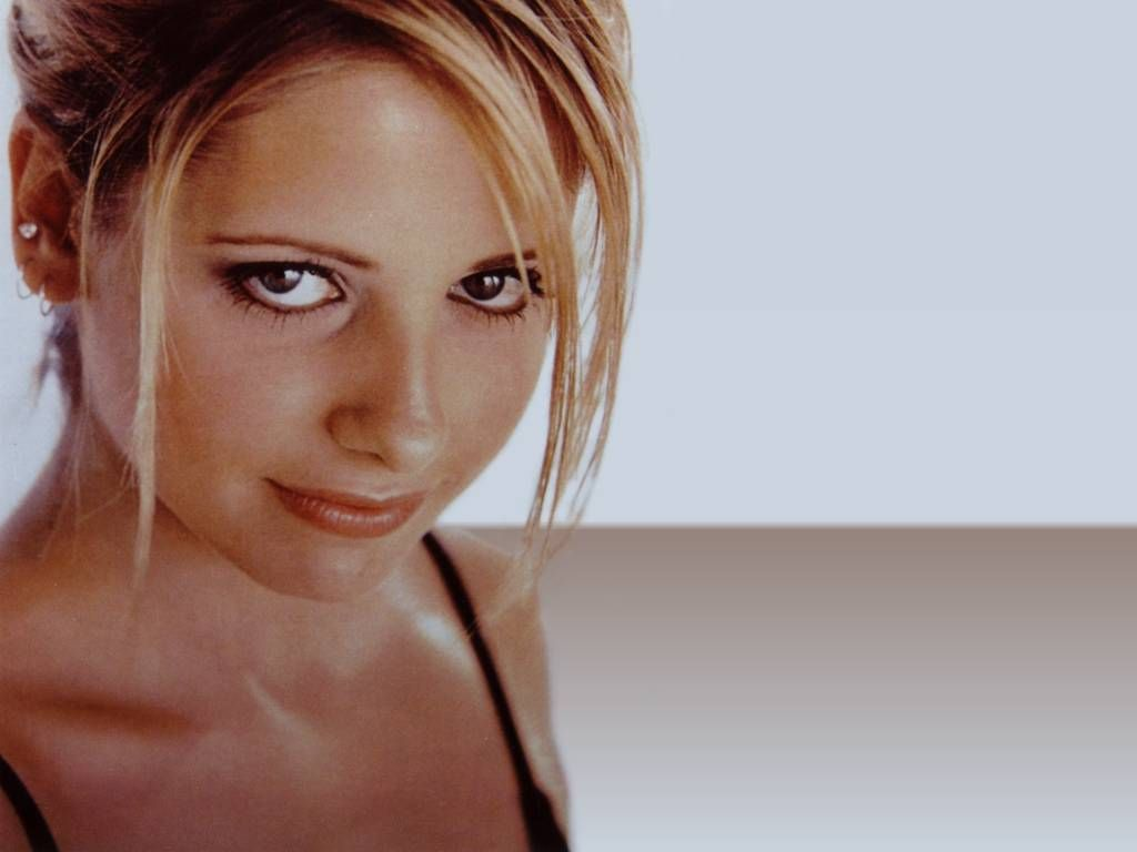 Sarah michelle gellar nude fakes photo 38