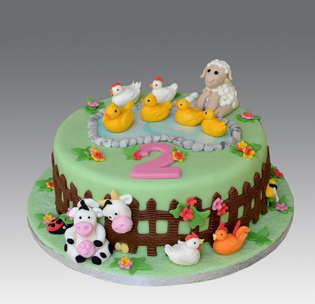 Farm Animals Cake With Images Farm Birthday Cakes Animal