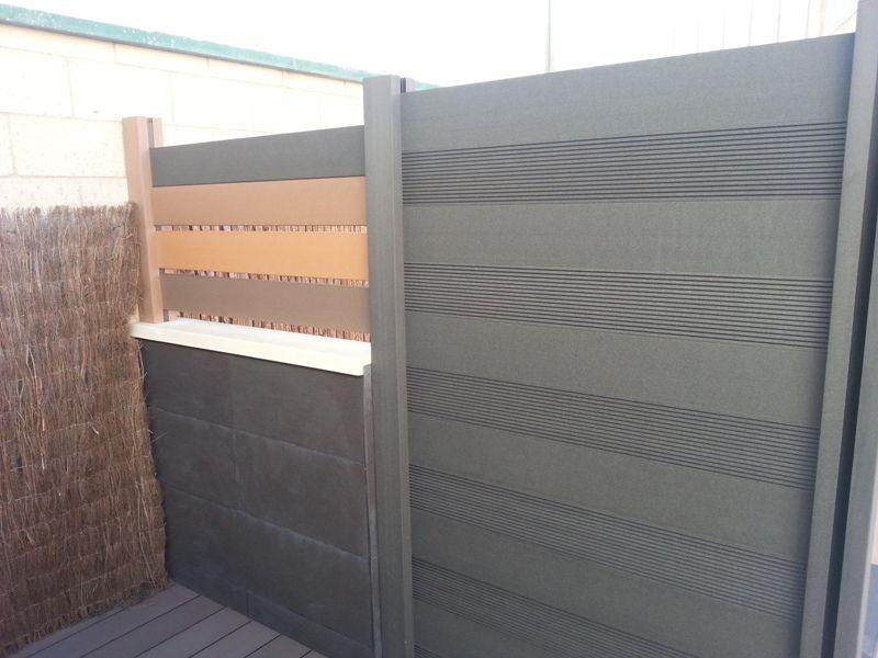 Vallas de madera sintetica con postes especiales y los mismos tablones para los suelos de tarima - Vallas de madera para piscinas ...