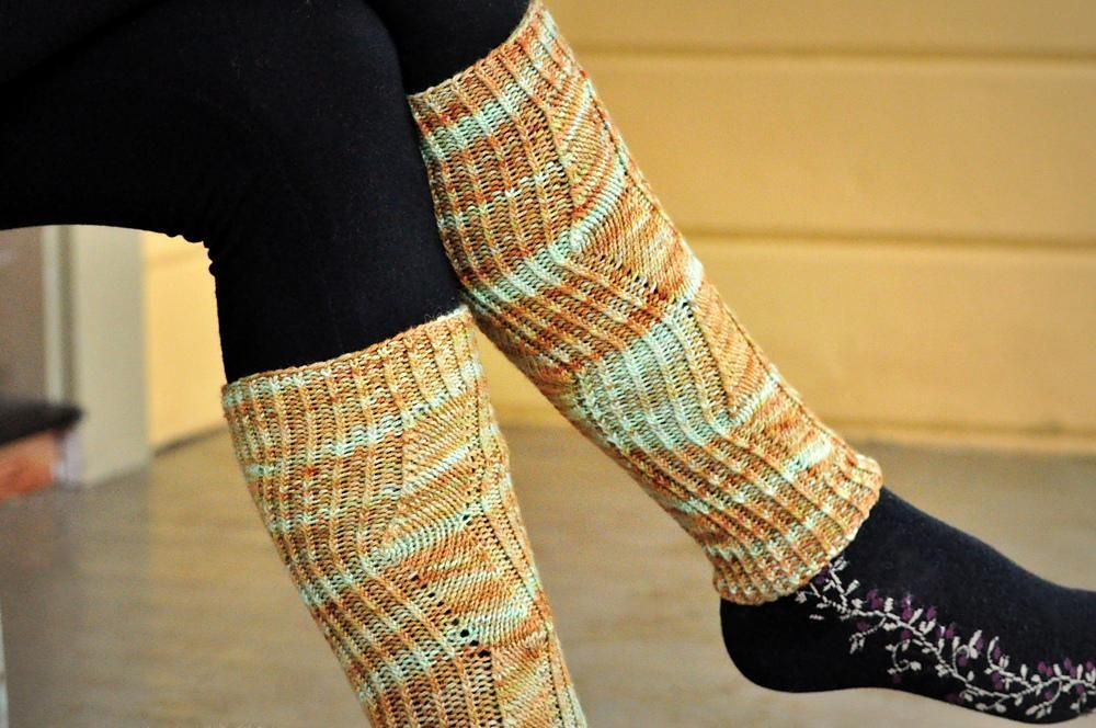 Sellwood Set Sport weight yarn, Knit patterns and Blue moon fiber arts