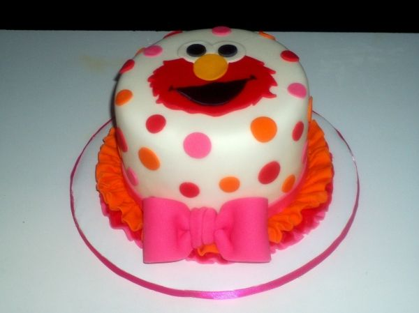 Elmo Smash Cakei need to start working with fondant Ethans