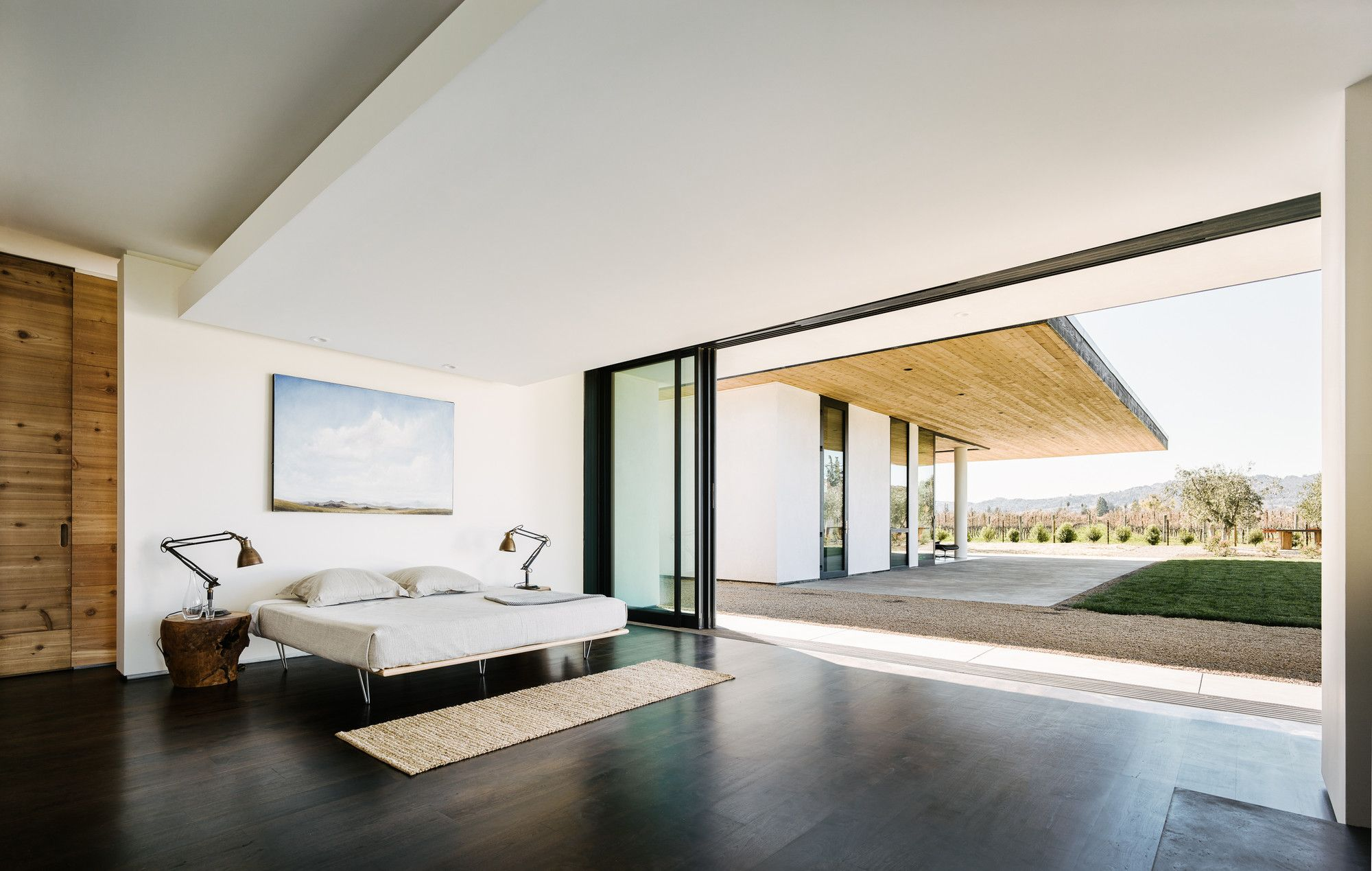 http://blog.gessato.com/wp-content/uploads/2016/05/a-contemporary-home-set-on-the-napa-valley-floor-gessato-8.jpg