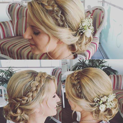 Bildergebnis Für Echte Blumen Im Haar Frisurenkosmetik