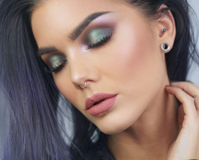 【ρinterest: ⚜ LizSanez✫☽】   //♡ Linda Hallberg Makeup - bedtime flirt