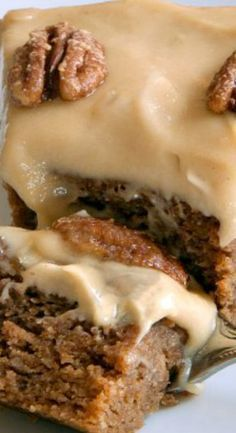 Paleo Pumpkin Cake with Maple Cream Frosting (grain-free, gluten-free, dairy-free) #creamfrosting
