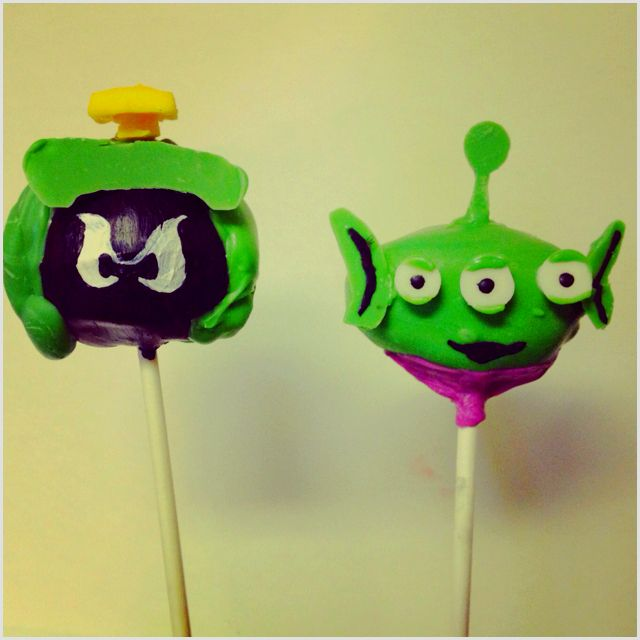 My alien cake pops