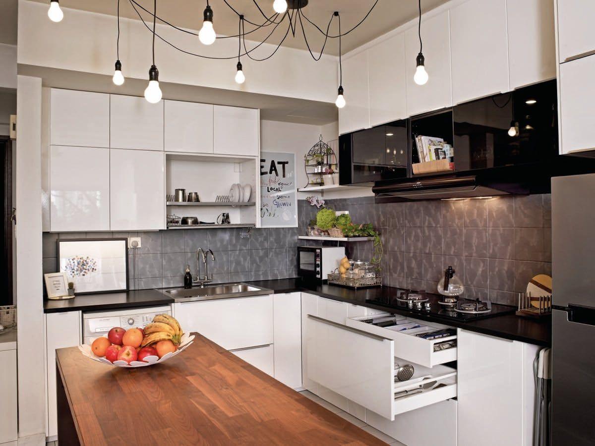 Pin Von Bernita Dixie Auf Kitchen Ideas In 2020 Ikea Hangeschrank Ikea Kinderzimmer Schreibtisch Ikea Wohnzimmer
