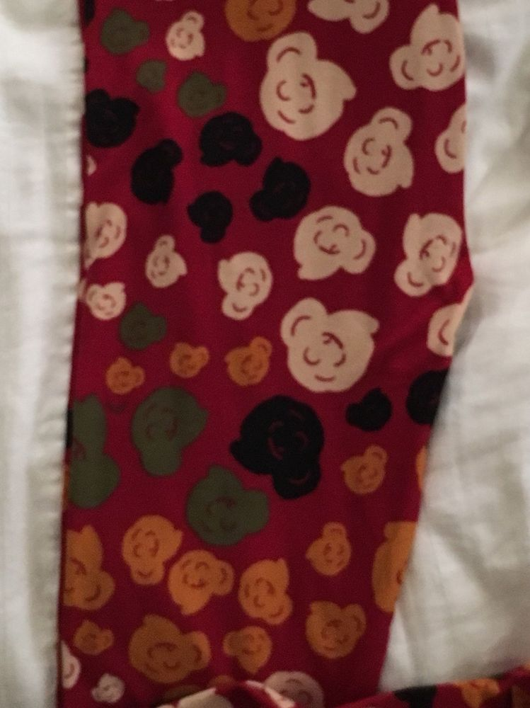 c29b3c528cc27 New Lularoe Leggings One Size OS Red background Floral Roses Popcorn  #fashion #clothing #shoes #accessories #womensclothing #leggings (ebay link)