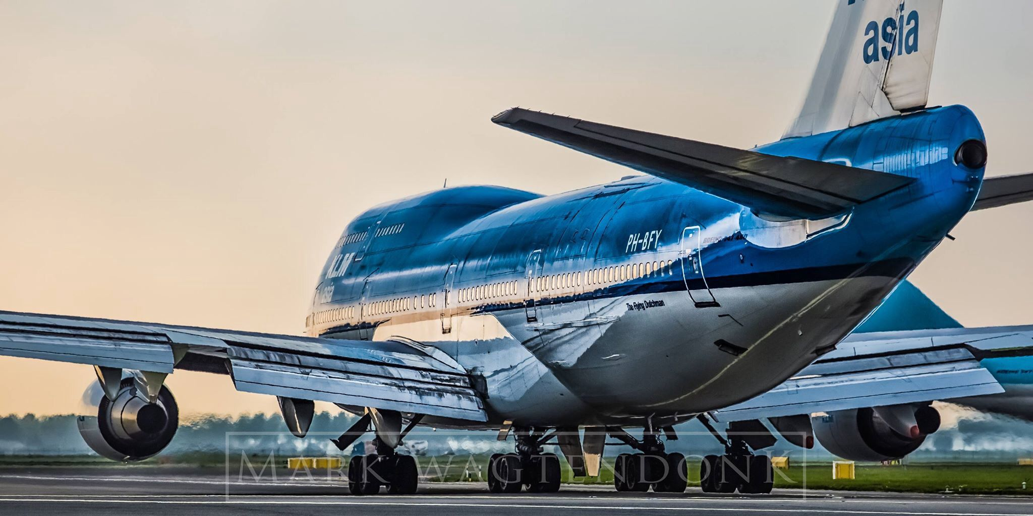 KLM B747-400 in the morning sun at AMS