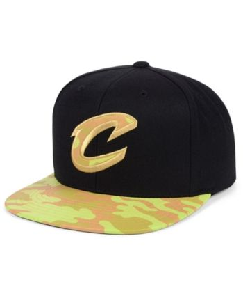 3fff99b529302 Mitchell   Ness Cleveland Cavaliers Natural Camo Snapback Cap - Black  Adjustable
