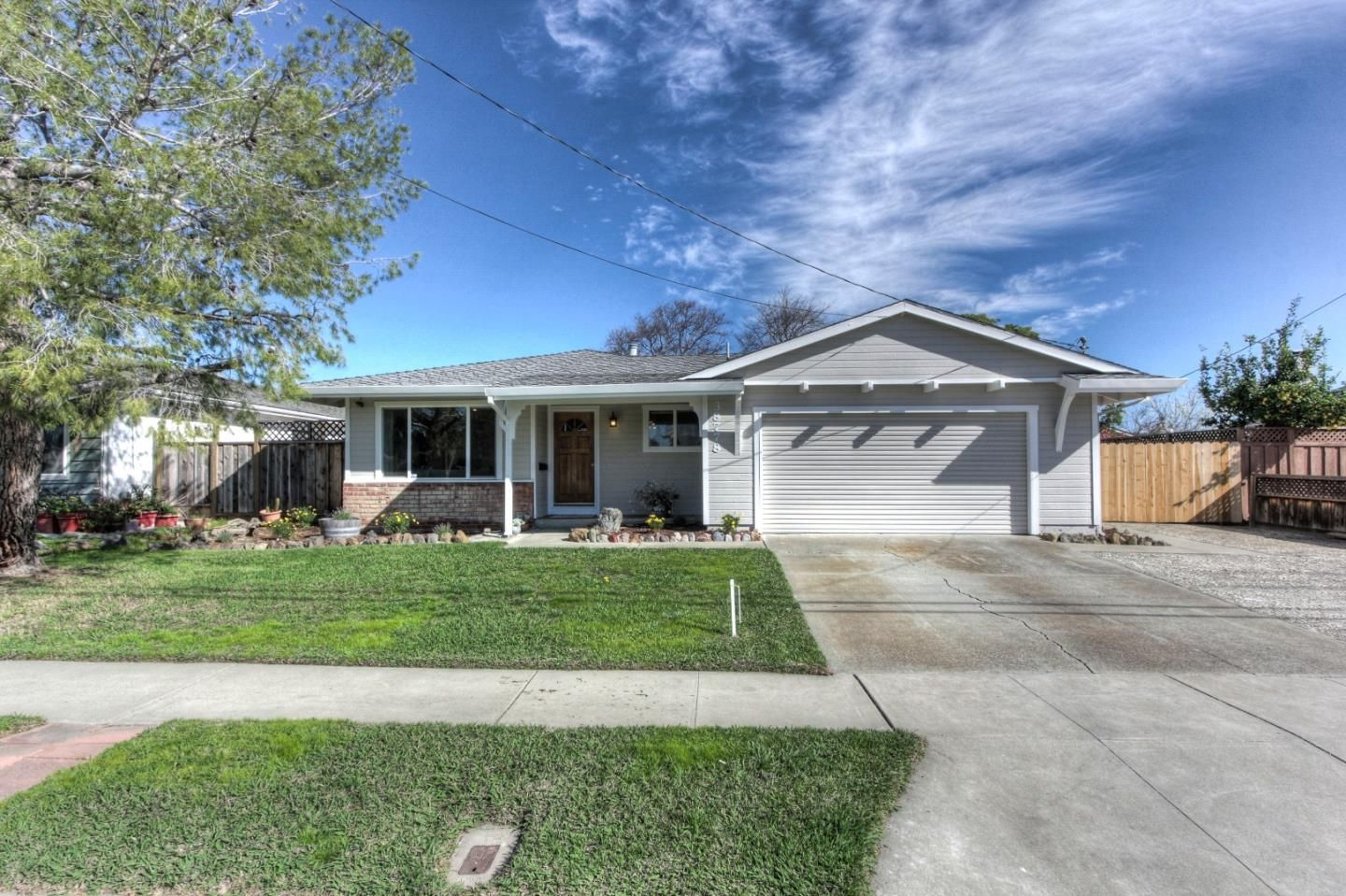 OPEN HOUSE: Saturday, February 20, 2016 1:00 PM - 4:00 PM. View property details for 38778 Larkspur St, Newark, CA. 38778 Larkspur St is a Single Family property with 3 bedrooms and 2 total baths for sale at $739,000. MLS# 81551091.