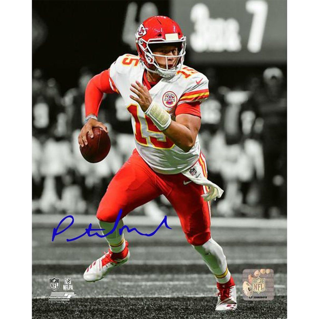 Patrick Mahomes Kansas City Chiefs Signed Spotlight 16x20 Photograph Kansas City Chiefs Chiefs Wallpaper Kansas City