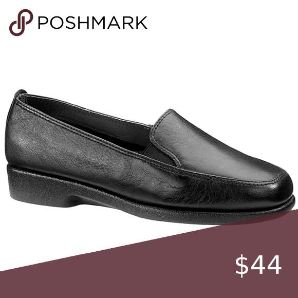 Hush Puppies Sonnet Slip On Shoes Excellent Used Conditio In 2020 Hush Puppies Shoes Women S Slip On Shoes Slip On Shoes