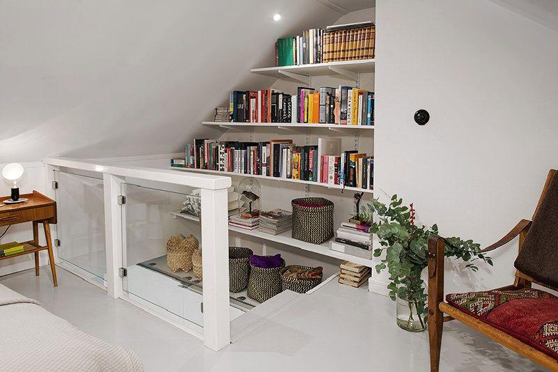 Este pequeno apartamento é uma prova de que é possível criar ambientes espaçosos, mesmo quando há poucos metros quadrados à disposição. Neste caso, são ape