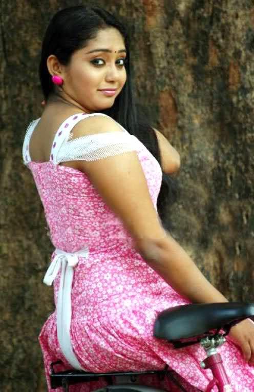 Santabanta Hot Actress Photo Wallpaper Wallpapers