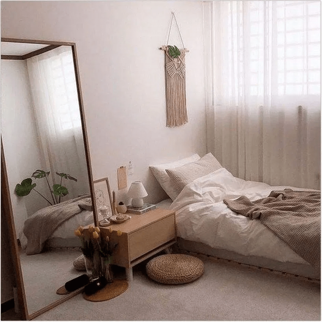 33 Admirable Small Bedroom Decor Ideas You Never Seen Before Homyhomee Small Bedroom Decor Urban Outfiters Bedroom Room Ideas Bedroom