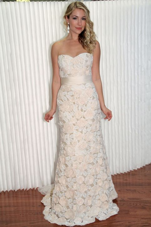 modern trousseau wedding dress...Change the color but keep the ...