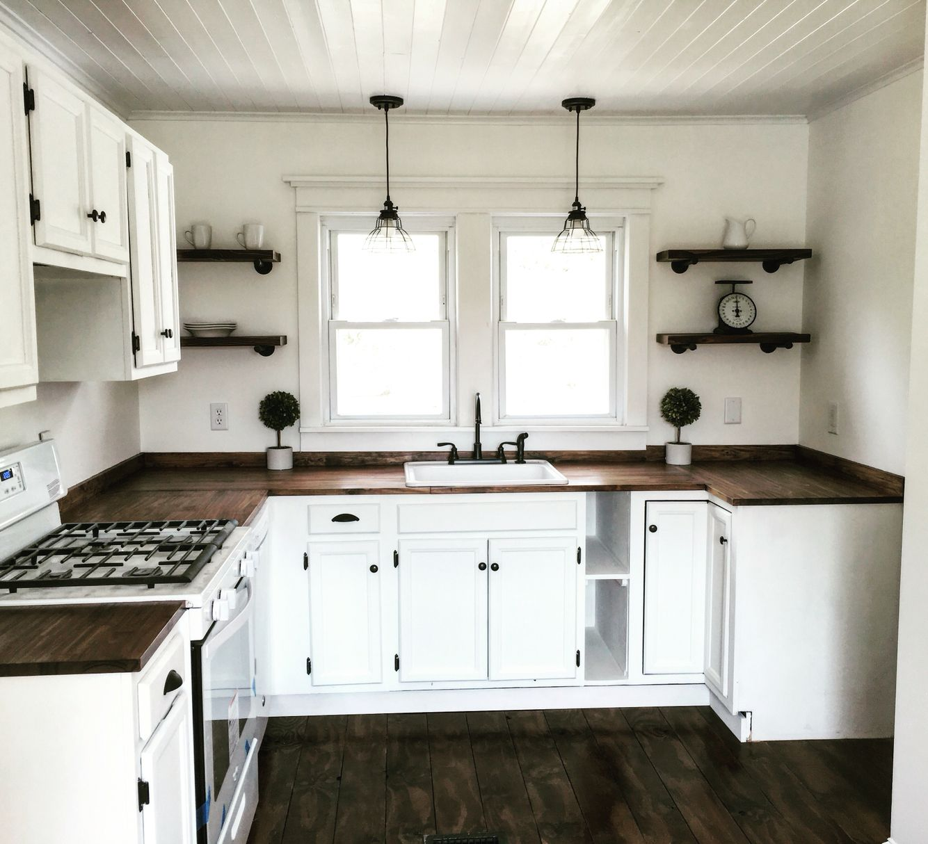 Farmhouse kitchen on the cheap cabinets from craigslist for Cheap kitchens