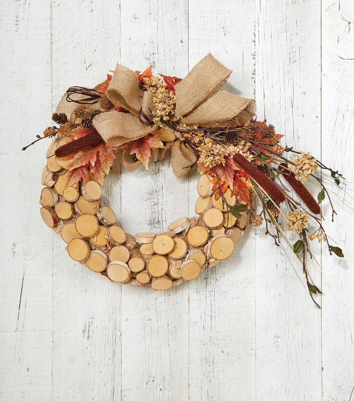 Craft a gorgeous birch wreath perfect for fall decorations! Thanksgiving is right around the corner get ready with decoration tips from Jo-Ann!