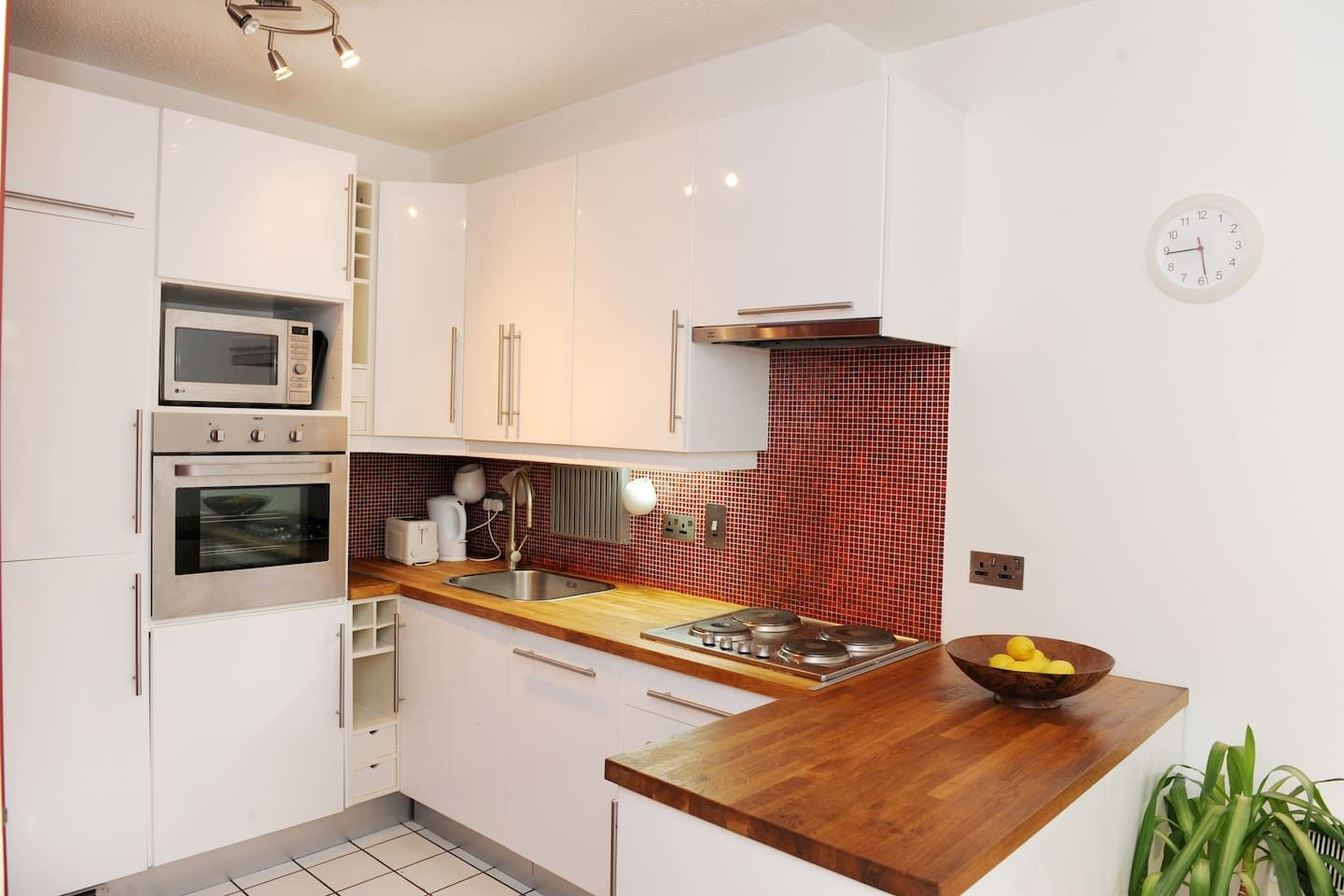 Perfect Location City Centre Apartment Flats for Rent in