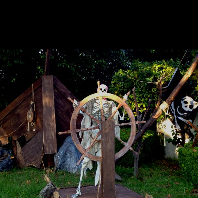 Halloween Outdoor Yard Decorations: Halloween Yard Decorations. Pirate Ghost Ship.