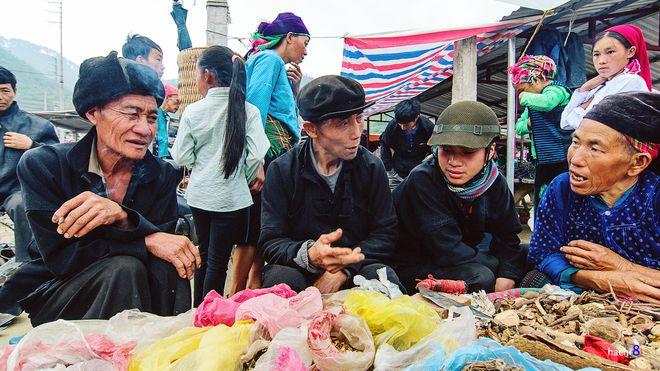 Khám phá những phiên chợ hấp dẫn du khách nước ngoài - 5