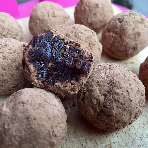 Raw Vegan Cocoa Truffles   Lipstick and Berries #rawvegan #oilfree #glutenfree #vegan