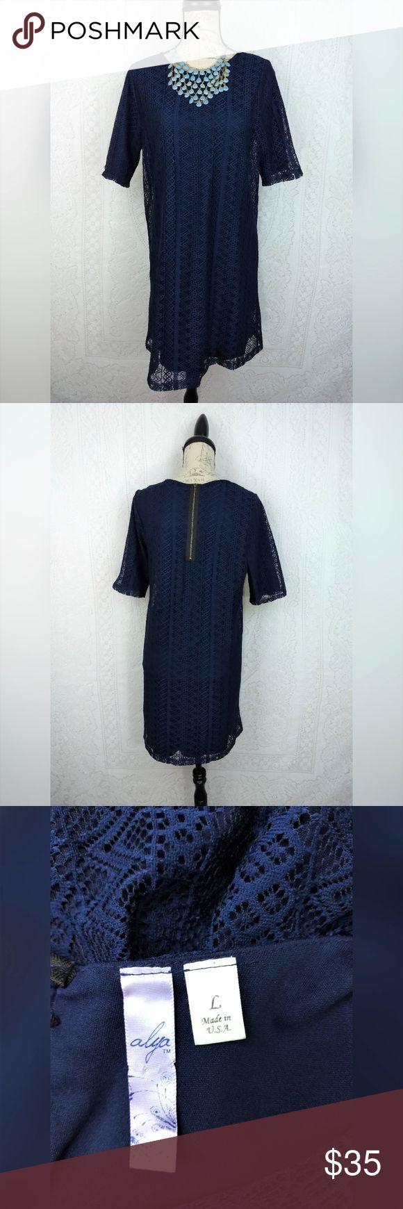 Photo of Alya Navy Blue Lace Kleid Größe Large Alya Cocktailkleid Navy Blu