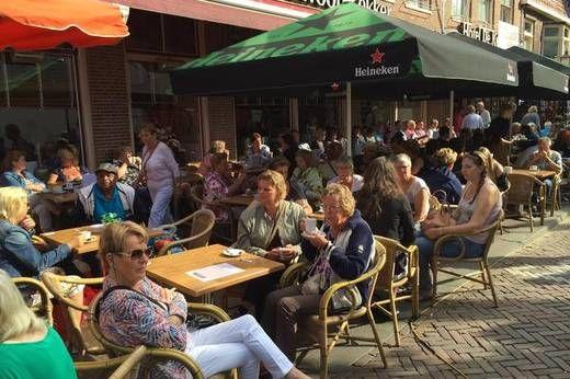 Noordhollands Dagblad - Volle kramen, volle terrassen op Lappendag Hoorn 2016