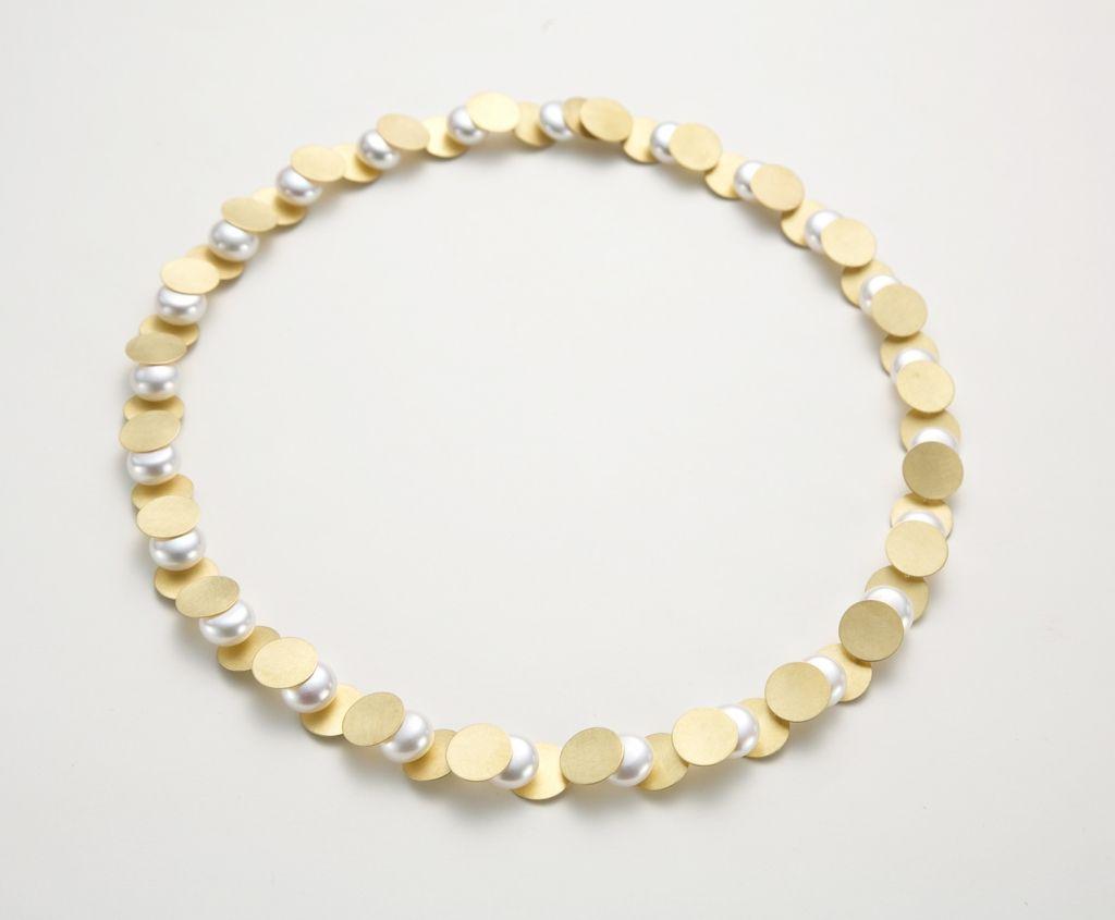 ETSUKO SONOBE NECKLACE  20K yellow gold, pearls