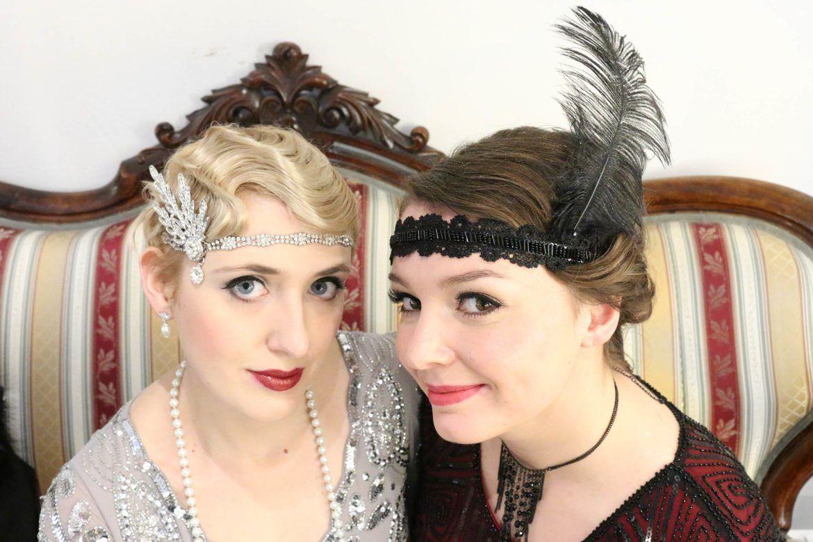 20er Jahre Styling Fur Silvester Wasserwelle Und Zwanziger Jahre Frisur Headpieces Abend Make Up 20er Jahre Outfit 20er Jahre 20er Jahre Make Up
