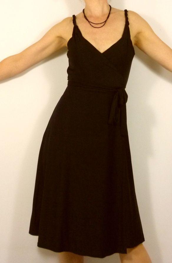 La robe portefeuille   Couture   Moldes 762d645f590