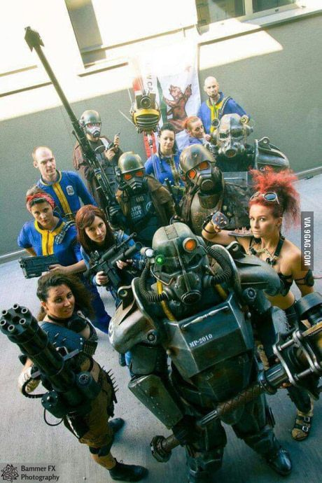 Fallout cosplayers