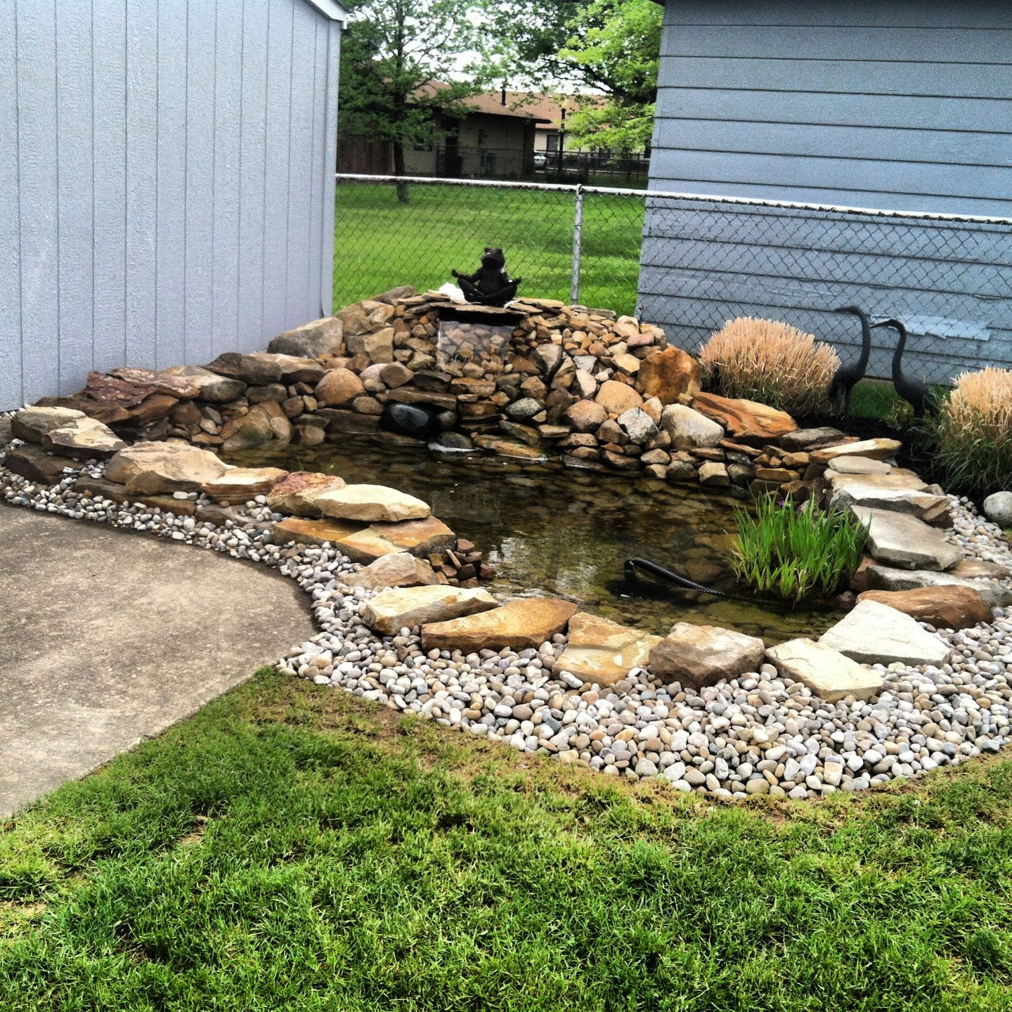 Backyard pond garden fountains and ponds pinterest for Ideas para estanques