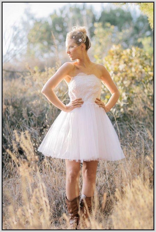 2ffb3e3e93a short white dress with cowboy boots - Google Search   That ...