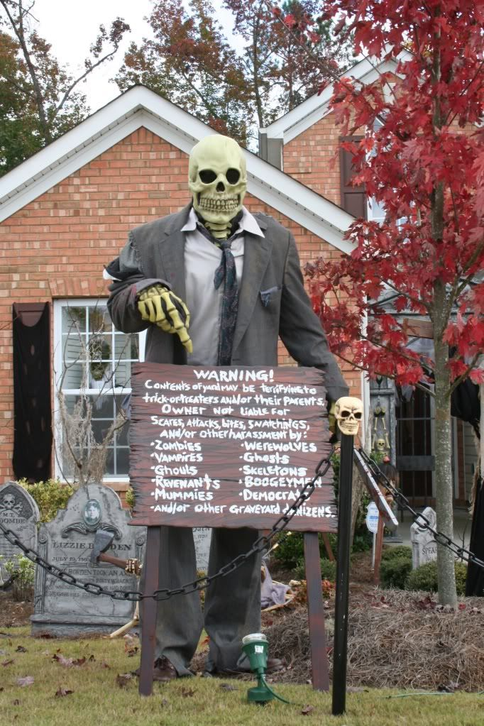 My Graveyard Hauntforum Halloween Outdoor Decorations Outdoor Halloween Creepy Halloween Decorations